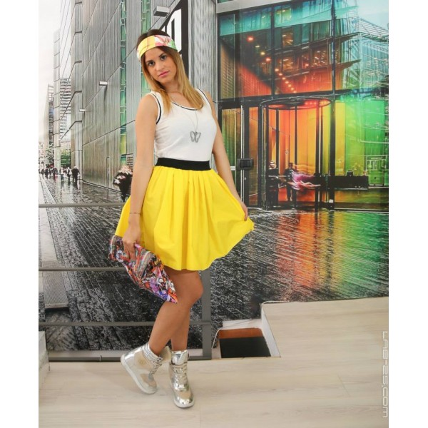 Black top yellow skirt – Fashionable skirts 2017 photo blog
