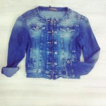 giacchetto in jeans con cerniera e taschine
