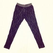 Black lace leggings with elastic waist,