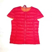 100 gr red sleeveless jacket